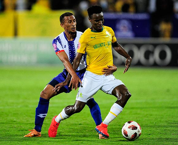 Themba Zwane of Mamelodi Sundowns FC is challenged by Nazeer Allie of Maritzburg United during the Absa Premiership 2018/19 match between Maritzburg United and Mamelodi Sundowns at the Harry Gwala Stadium, KwaZulu Natal on 12 September 2019 ©Gerhard Duraan/BackpagePix