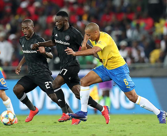 Augustine Mulenga of Orlando Pirates challenged by Wayne Arendse of Mamelodi Sundowns during the Absa Premiership 2018/19 match between Orlando Pirates and Mamelodi Sundowns at the Orlando Stadium, Soweto on the 01 April 2019 ©Muzi Ntombela/BackpagePix