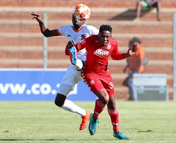 Sello Motsepe of Highlands Park challenged by Charlton Mashumba of Polokwane City during the Absa Premiership 2018/19 match between Highlands Park and Polokwane City at Makhulong Stadium, Johannesburg on 27 April 2019 ©Samuel Shivambu/BackpagePix