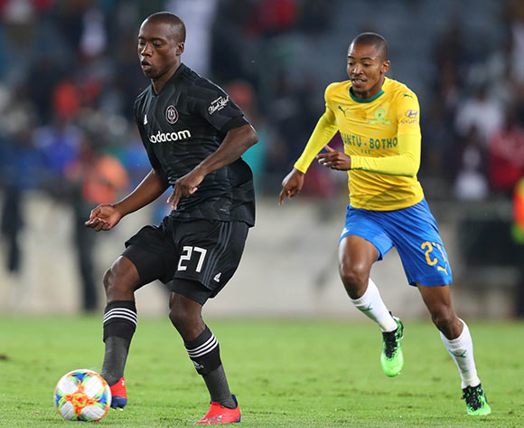 Ben Motshwari of Orlando Pirates challenged by Thapelo Morena of Mamelodi Sundowns during the Absa Premiership 2018/19 match between Orlando Pirates and Mamelodi Sundowns at Orlando Stadium, Johannesburg on 01 May 2019 ©Samuel Shivambu/BackpagePix