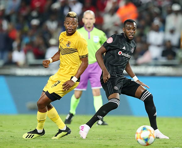 Justin Shonga of Orlando Pirates challenged by Pentjie Zulu of Black Leopards during the Absa Premiership 2018/19 match between Orlando Pirates and Black Leopards at the Orlando Stadium, Soweto on the 10 April 2019 ©Muzi Ntombela/BackpagePix