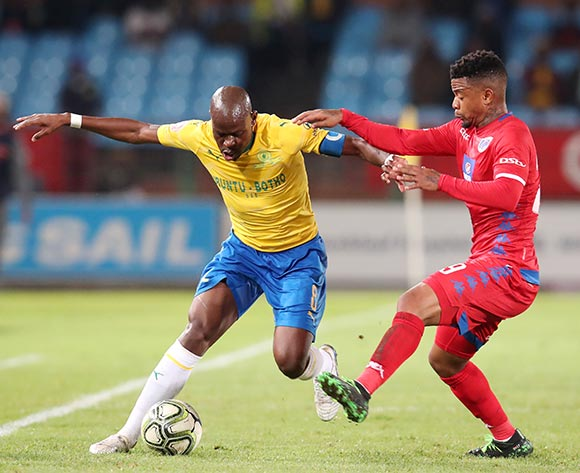 Hlompho Kekana of Mamelodi Sundowns challenged by George Lebese of Supersport United during the Absa Premiership 2018/19 match between Mamelodi Sundowns and Supersport United at the Loftus Versveld Stadium, Pretoria on the 17 April 2019 ©Muzi Ntombela/BackpagePix