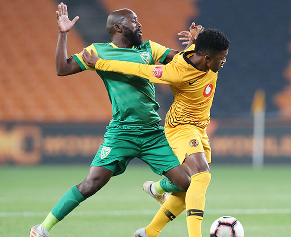 Dumisani Zuma of Kaizer Chiefs shields ball from Sandile Zuke of Golden Arrows during the Absa Premiership 2018/19 match between Kaizer Chiefs and Golden Arrows at the FNB Stadium, Johannesburg on the 23 April 2019 ©Muzi Ntombela/BackpagePix