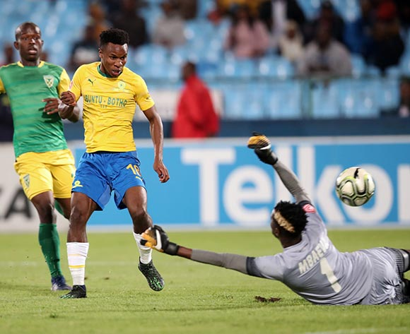 Themba Zwane of Mamelodi Sundowns score a goal pass Maximilian Mbaeva of Golden Arrows during the Absa Premiership 2018/19 match between Mamelodi Sundowns and Golden Arrows at Loftus Versfeld Stadium, Pretoria on 07 May 2019 ©Samuel Shivambu/BackpagePix