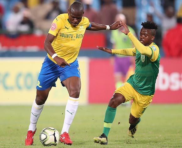 Hlompho Kekana of Mamelodi Sundowns challenged by Sanele Mathenjwa of Golden Arrows during the Absa Premiership 2018/19 match between Mamelodi Sundowns and Golden Arrows at Loftus Versfeld Stadium, Pretoria on 07 May 2019 ©Samuel Shivambu/BackpagePix