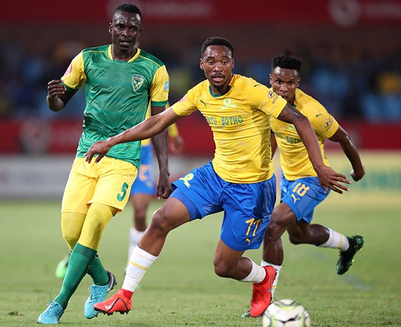 Sibusiso Vilakazi of Mamelodi Sundowns challenged by Limbikani Mzava of Golden Arrows during the Absa Premiership 2018/19 match between Mamelodi Sundowns and Golden Arrows at Loftus Versfeld Stadium, Pretoria on 07 May 2019 ©Samuel Shivambu/BackpagePix