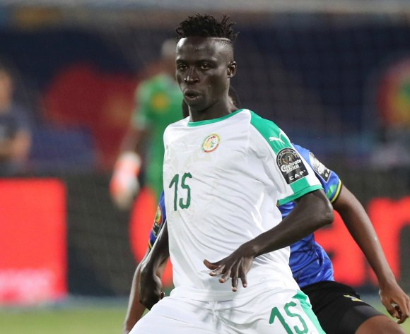 Tournament favourites Senegal tackle Algeria