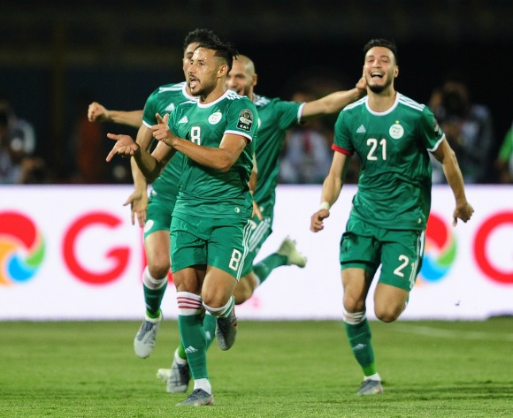 Algeria down Senegal to progress