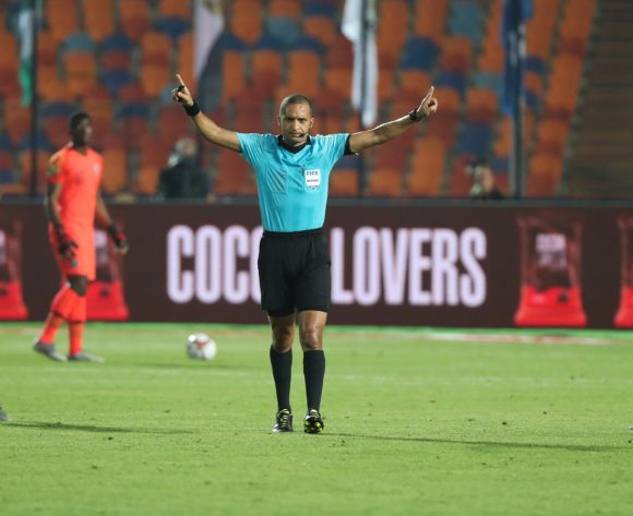 Referee Rédouane Jiyed indicates goal via VAR decision from Bongani Zungu of South Africa during the 2019 Africa Cup of Nations Finals Quarterfinal football match between Nigeria and South Africa at the Cairo International Stadium, Cairo, Egypt on 10 July 2019 ©Gavin Barker/BackpagePix