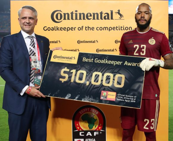 Adi Mbolhi Rais of Algeria wins the Continental Goalkeeper of the Tournament award during the 2019 Africa Cup of Nations Final match between Senegal and Algeria at the Cairo International Stadium, Cairo on the 19 July 2019 ©Muzi Ntombela/BackpagePix