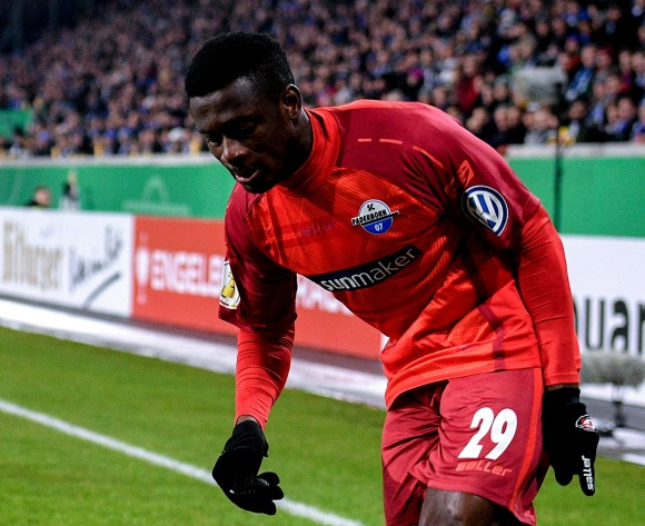 Bundesliga wrap: Collins' Paderborn lose five-goal thriller