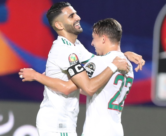 Algeria tackle dangerous Zambia