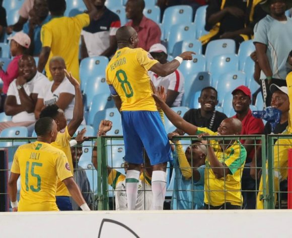 Sundowns close in on Chiefs, Wits held at home