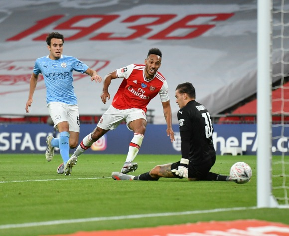 Aubameyang double leads Arsenal to FA Cup final
