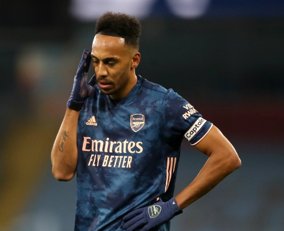 Bent: Aubameyang declining after signing new Arsenal deal